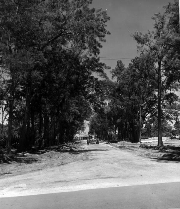 View of the Road 780 near intersection with Rivera Drive - Sarasota, Florida.