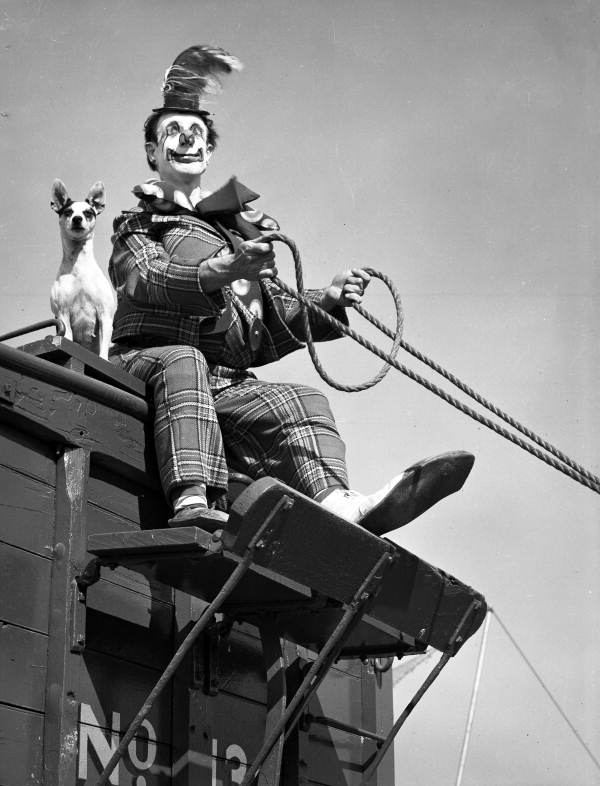 Ringling Circus clown Buzzy Potts with his dog Daisy June.