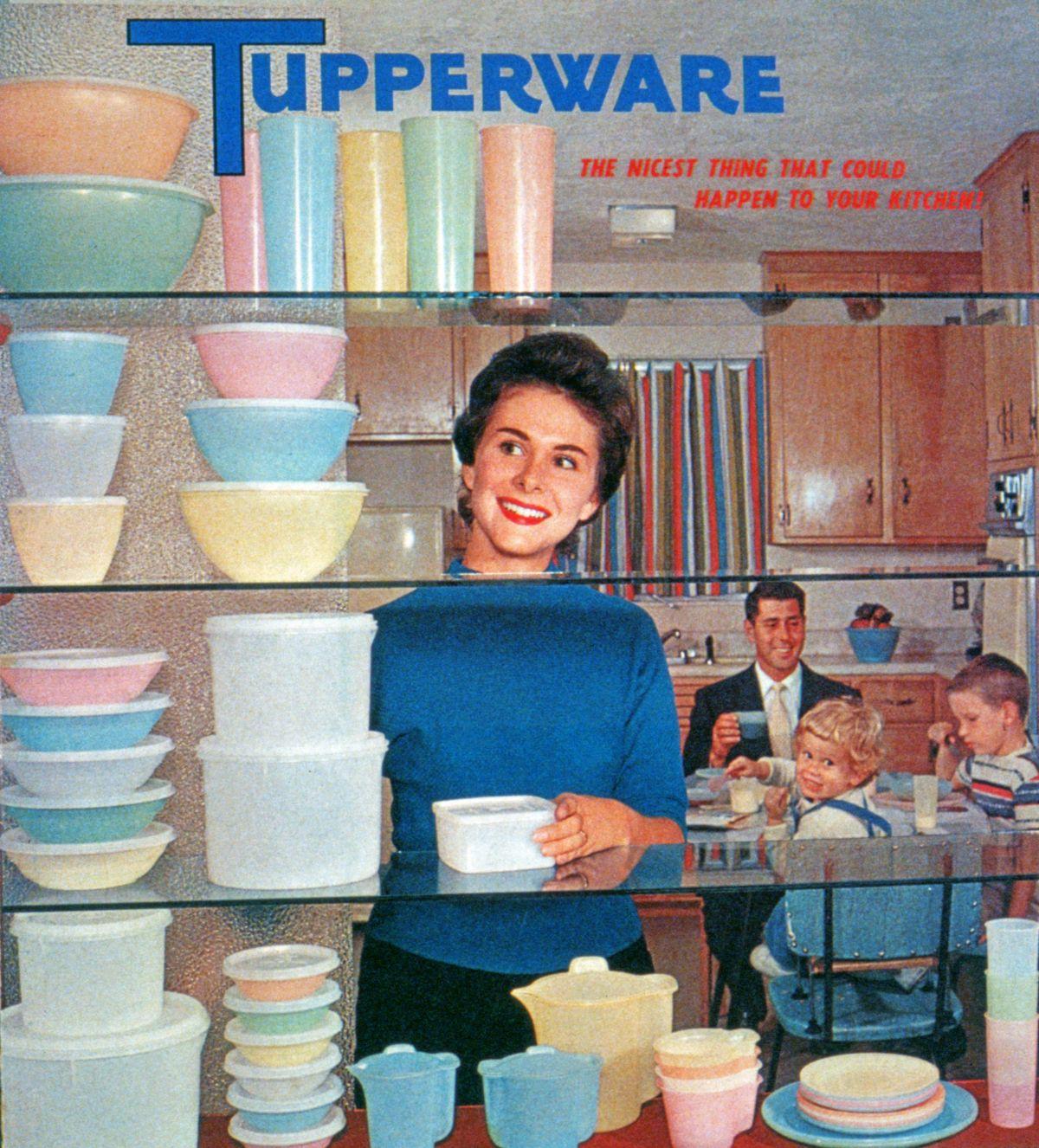 Tupperware advertisement featuring a Joe Steinmetz photograph.