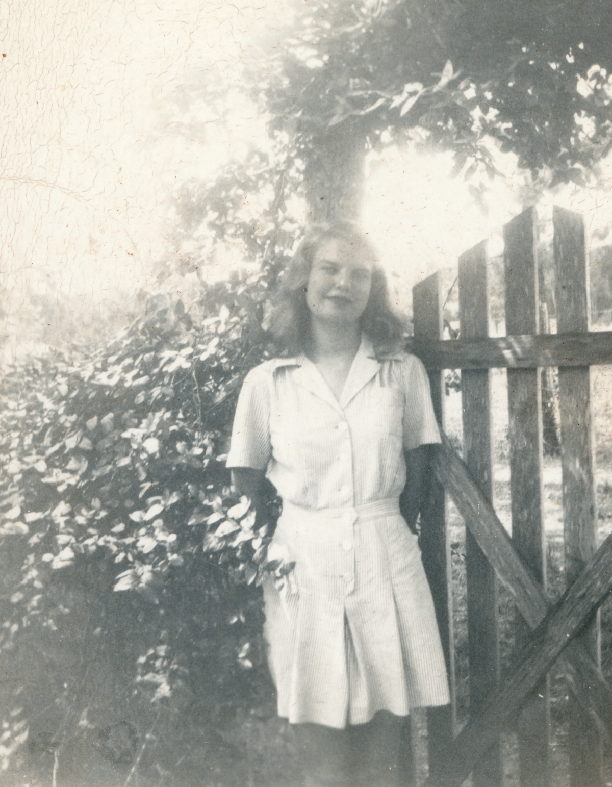 "Outdoor portrait of Sarah ""Frances"" Raney (later Byrom)"