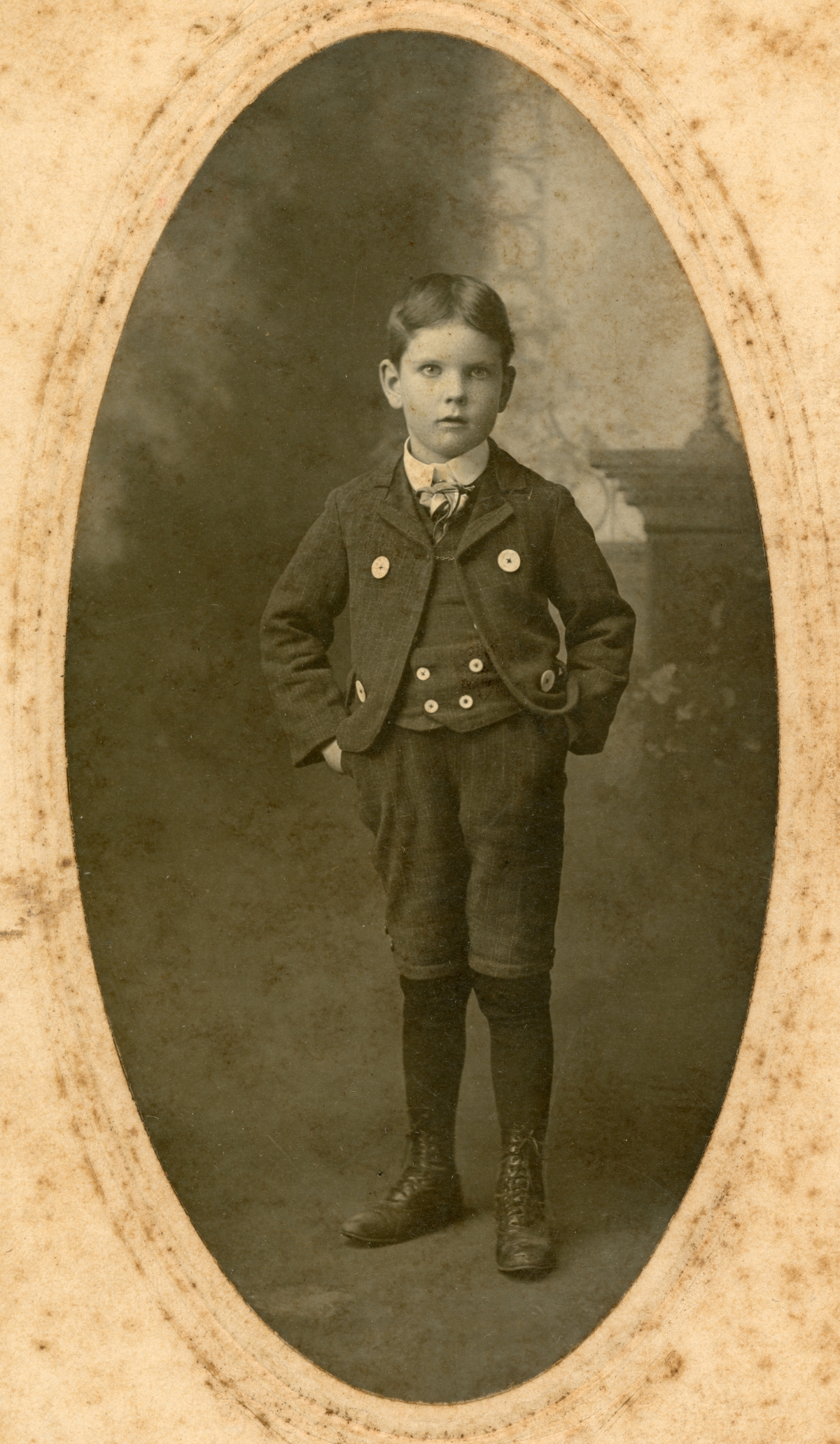 Studio portrait of Henry Sweeting from Bagdad, Florida.