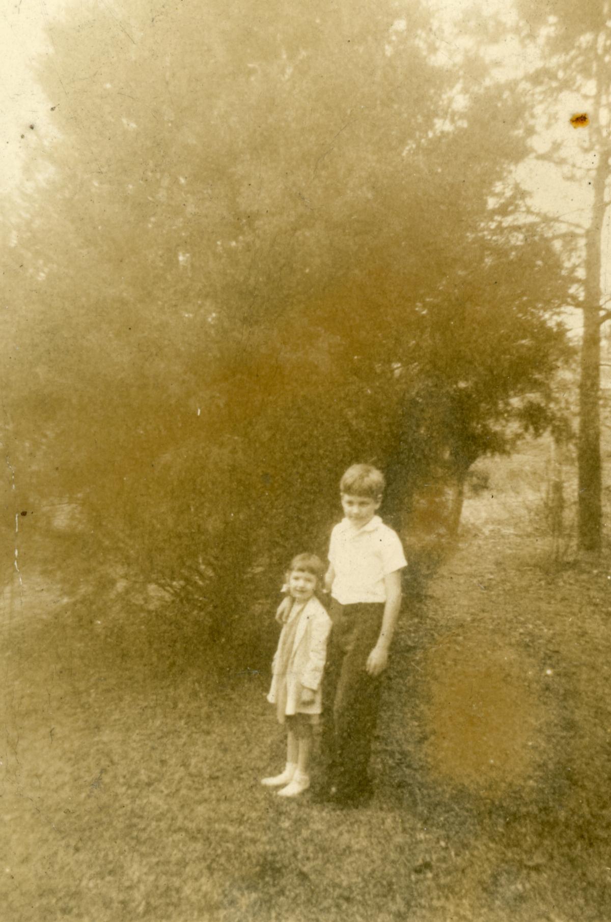 Cassandra Amelia Dixon with her older brother Warren.