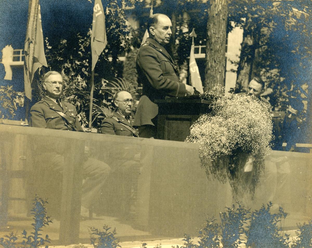 Major General Albert H. Blanding delivering address at graduation exercises at Signal Corps School.