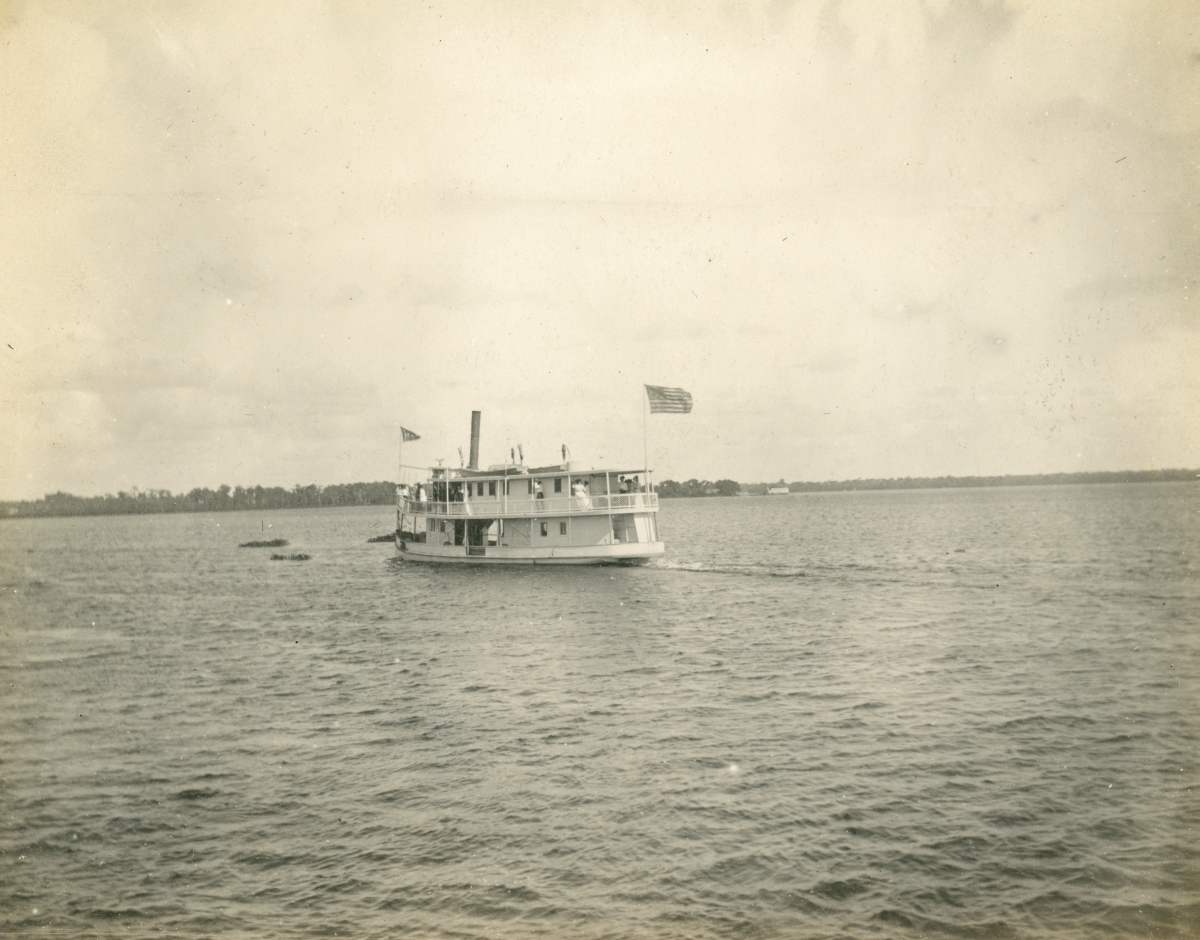 """La Rive"" boating on Lake Broward."
