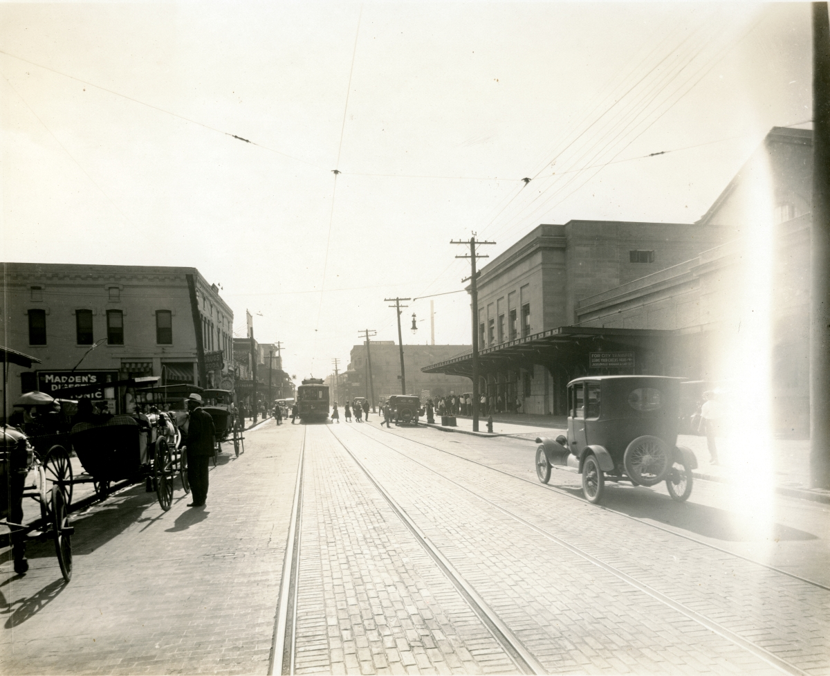 Looking east along Bay St. next to the Union Station railroad depot (at right) in Jacksonville.