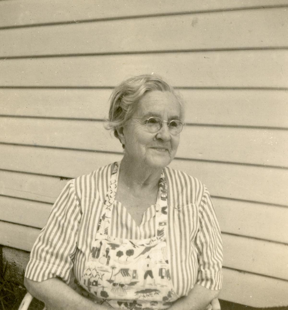 Willa Gertrude Newlan Coleman in St. Petersburg.