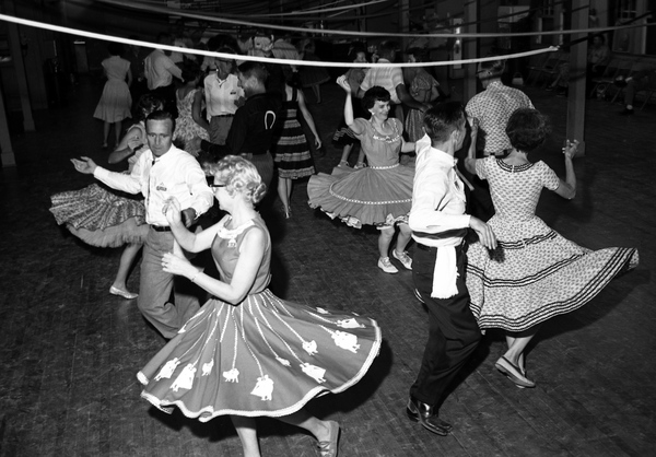 People square dancing in Tallahassee.