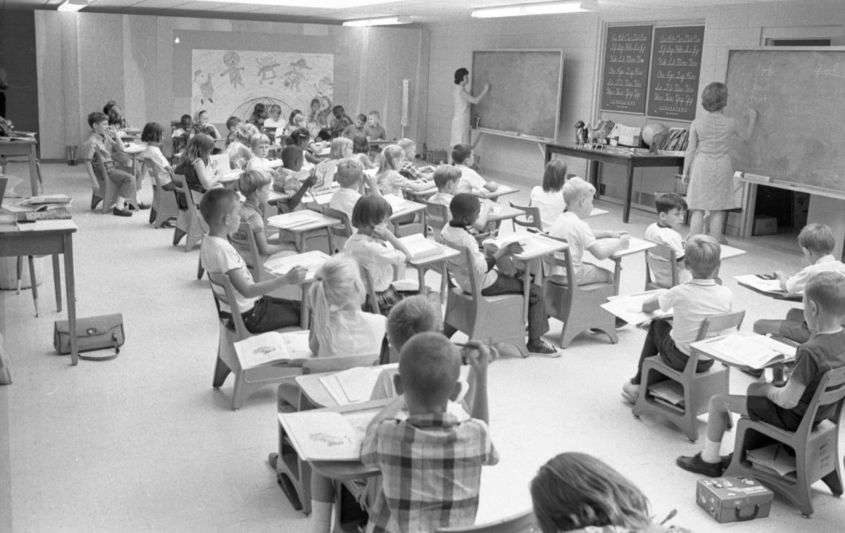 Interior view of a crowded classroom in Tallahassee.