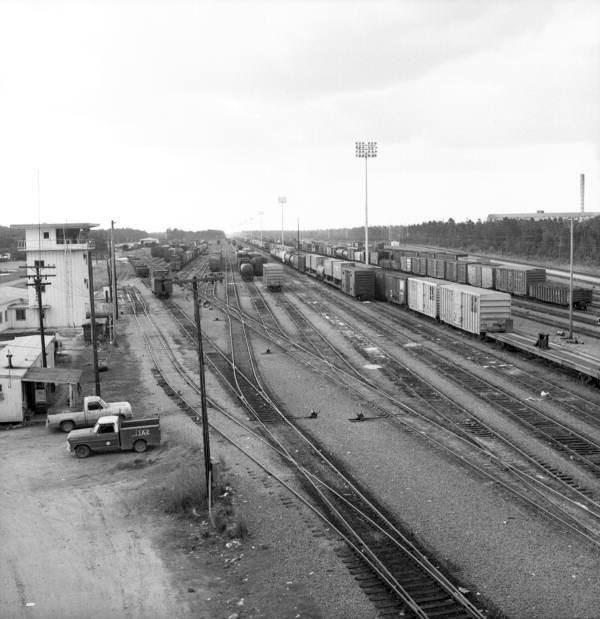 Florida Memory - View overlooking railway yard in ...