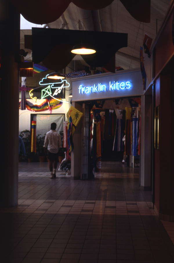 Franklin Kites in the Harbour Island mall in Tampa.