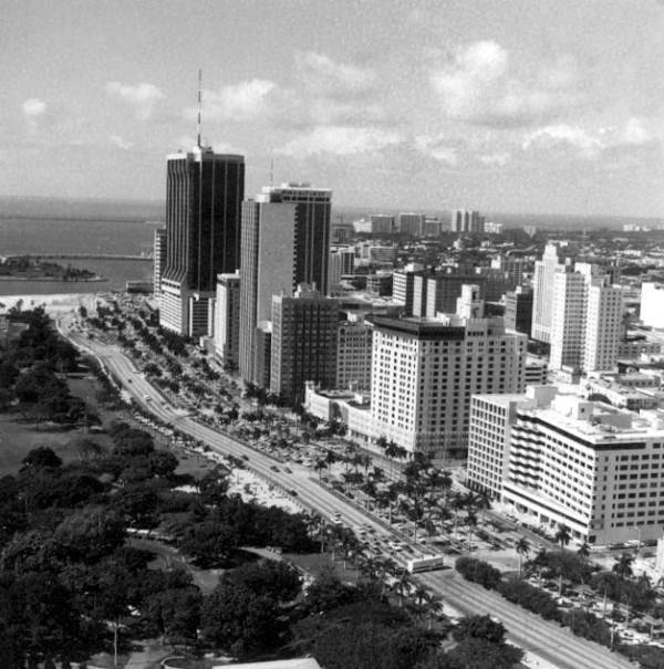 Old Miami Fl: Please Can You Show Old Miami Skyline (Before 1980s