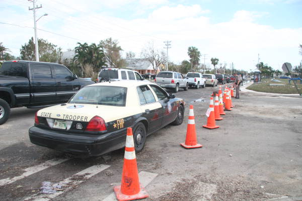 Florida Highway Patrol Traffic >> Florida Memory Florida Highway Patrol Car Parked By Key