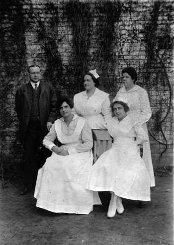 Director and nurses of Florida State Hospital in 1919: Chattahoochee, Florida