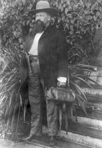Hiram Hampton, pistol-packing doctor: Tampa, Florida