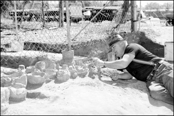 Pottery dig in southwest Tallahassee (1990)