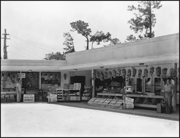 American Bakeries Company shopfront and fruit stand: Jacksonville, Florida (1948)