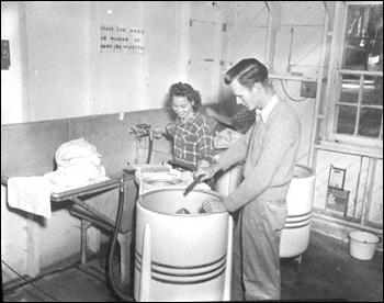 Laundry being done at Florida State University (194-)
