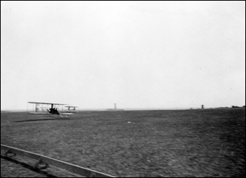 Takeoff for Lloyd C. Griscom's ascent with Wilbur Wright (1909)