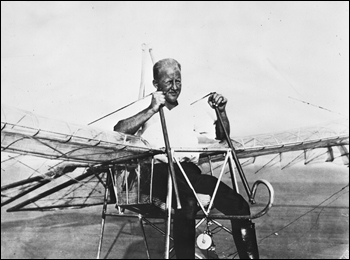Ornithopter and inventor George R. White at Saint Augustine (1927)