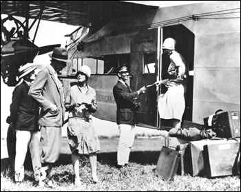 Early group leaving for Havana on a Pan American F-7 Flight (ca. 1930)