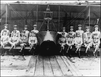 First aviator class at the Naval Air Station: Pensacola, Florida (1915)