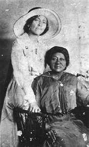 Eartha M.M. White (with her mother) (1910)