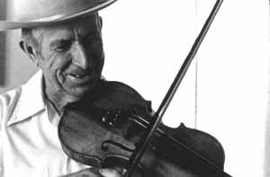 Robert Blackwelder playing the fiddle: Dundee, Florida (1978)