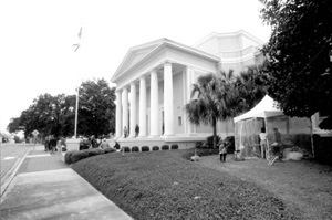 Attorneys leaving the Florida Supreme Court building during the 2000 presidential election vote dispute