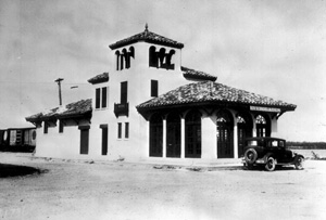 Atlantic Coast Line Train Depot in Everglades, Florida (1930)