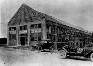 Field Feature Film Company studio under construction: Miami, Florida (ca. 1915)