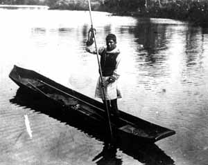 Typical Seminole dug-out canoe (1900s)
