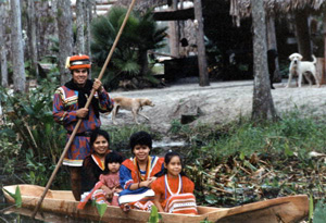 Seminole chairman James E. Billie and family (1985)