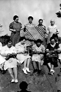 Home demonstration club members making rugs: Jefferson County, Florida (1941)