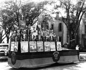 Florida Federation of Women's Clubs float in Centennial Parade in Tallahassee (1924)