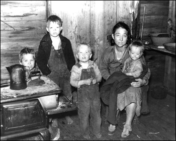 Family of migrant agricultural workers: Belle Glade, Florida (1939)