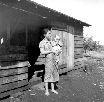 Migrant mother, 32, has 11 children: Belle Glade, Florida (1939)