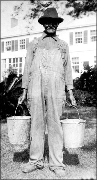 Worker at Welaunee Plantation: Leon County, Florida (ca. 1924)