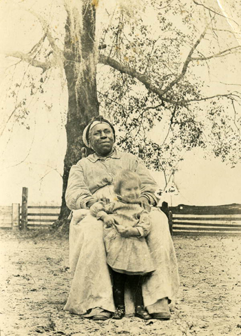 Susie Scruggs with &quot;Aunt Pink&quot;: Leon County, Florida (1913 or 1914)