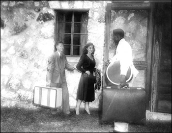 Couple checking into one of the guest cottages: Rainbow Springs, Florida (195-)