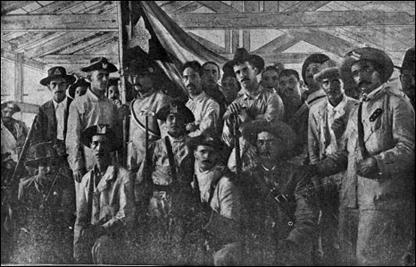 Cuban volunteers in the barracks (1898)