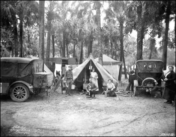 Tin Can Tourists at De Soto Park (December 25, 1920)