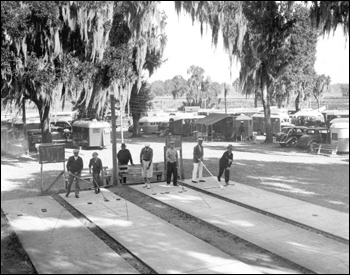 Tin Can Tourists playing shuffleboard at a Dade City camp (December 9, 1936)