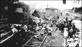 Barnes Circus train wreck (19__)