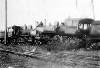 Head on collision of steam locomotives near Sanford, Florida (not after 1898)