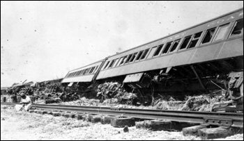 Remains of a rescue train: Islamorada, Upper Matecumbe Key (1935)