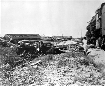 Wrecked relief train: Islamorada, Upper Matecumbe Key (1935)