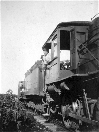 Moving the tomato crop (1921)