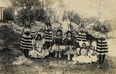 "Children dressed for the play ""Bees in Flowerland,"" Bamboo Landing, April 10, 1908"