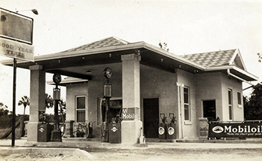 Koreshan Unity service station on the Tamiami Trail (ca. 1940)