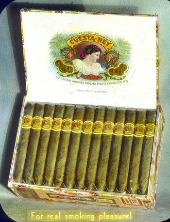 Box of Cuesta-Rey cigars made in Tampa (192-)